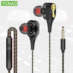 Double speaker wired earphones