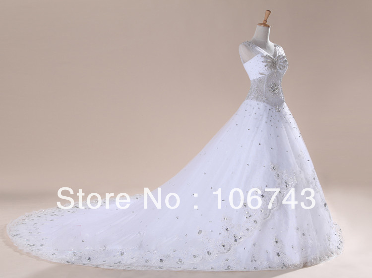 Free Shipping 2016 New Fashion White Luxury Crystal Cathedral Train Formal Gowns Sexy Rhinestone Beaded Wedding Dresses Gowns