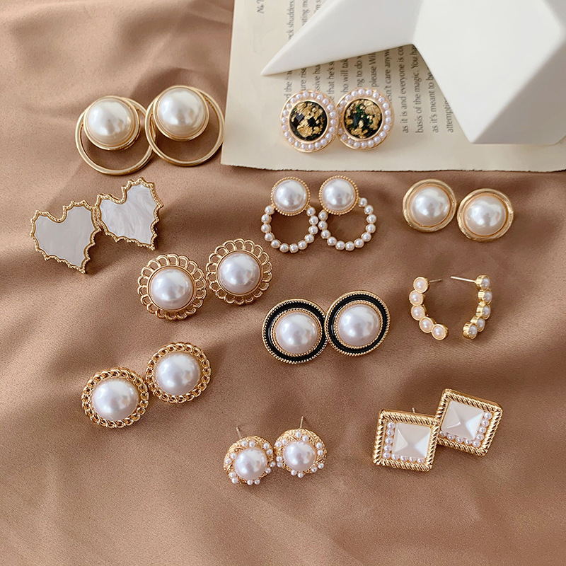 Korean Style Small Elegant Simulated Pearl Round Ear Clips No Hole Simple Geometric Baroque Pearls Clip on Earrings No Piercing