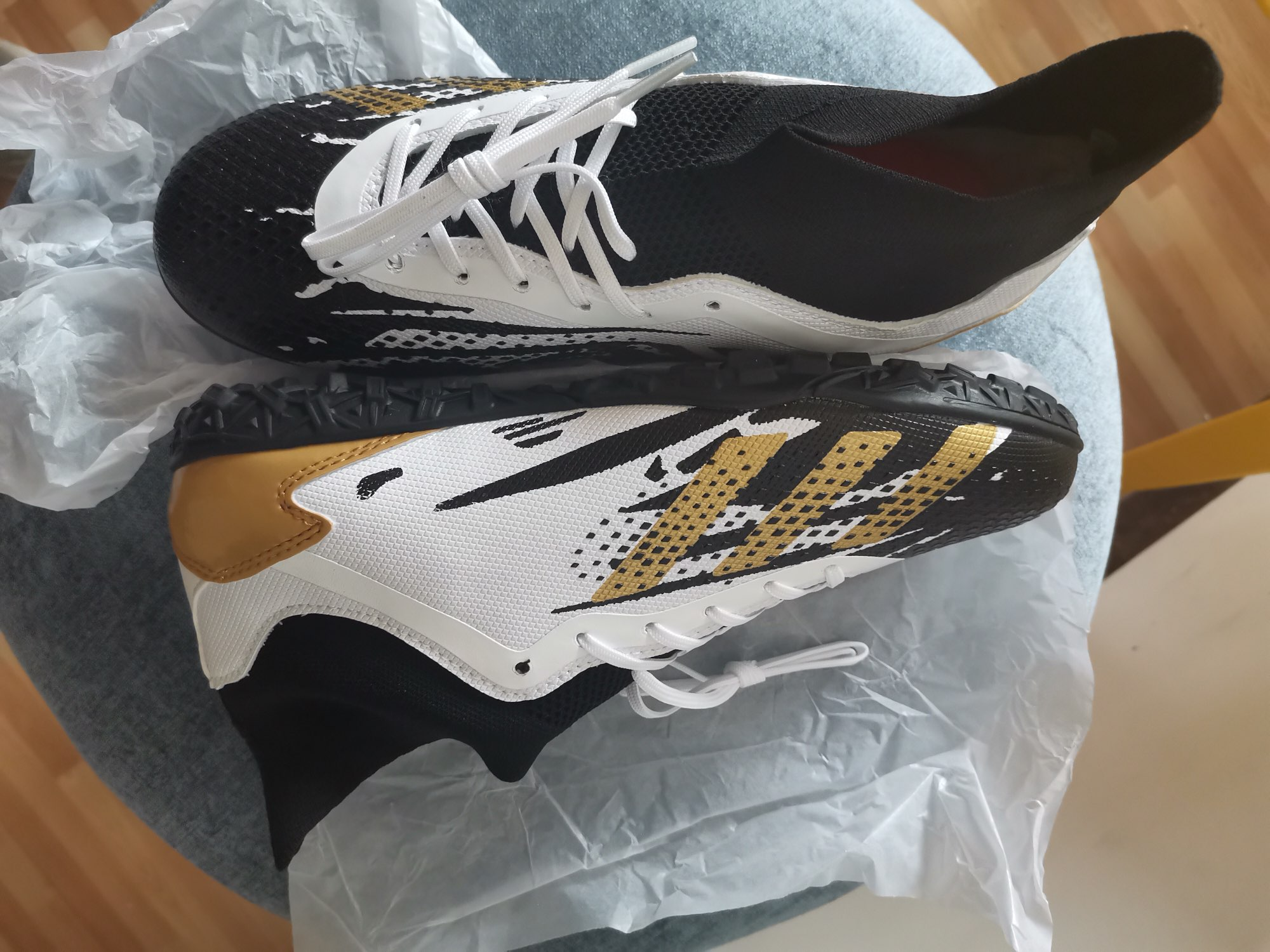 Men's High Ankle Football Shoes photo review