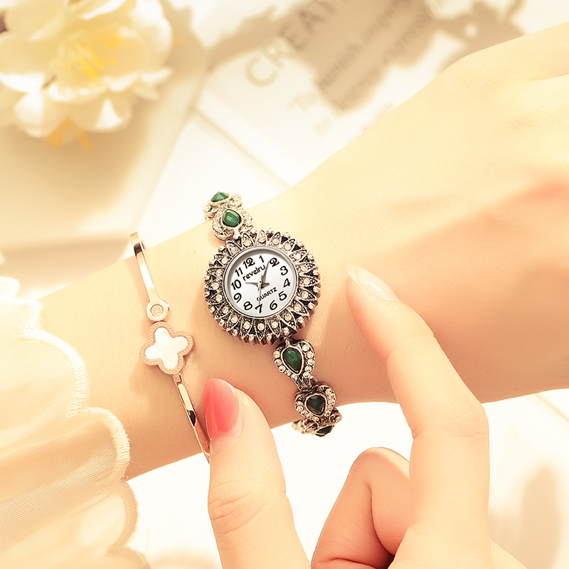 REVELRY Wrist Watch Women New Fashion Minimalist Women's Rhinestone Bracelet Clock Watches Montre Femme Quartz Watch Womens (R1266)