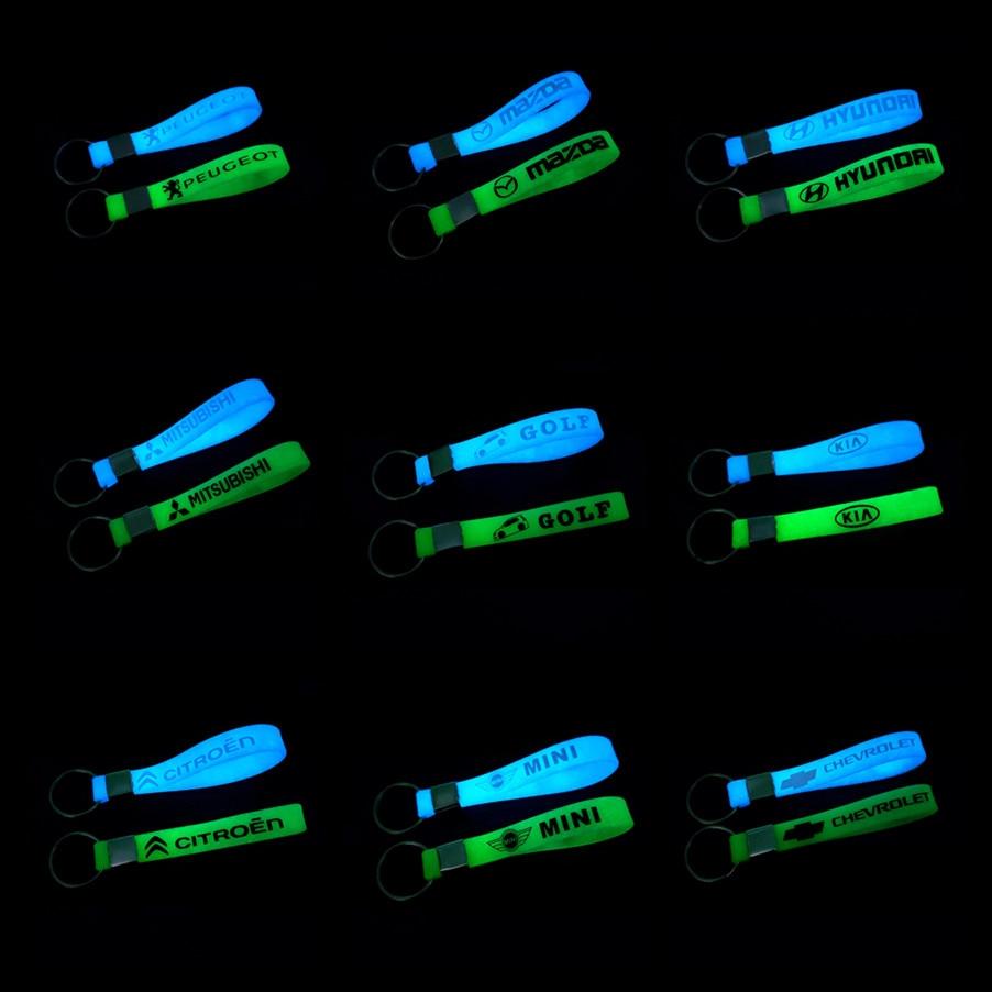 Luminous Car Keyring Keychain Sticker For Mercedes FORD Focus Fiat Abarth Renault Golf Nissan Daewoo Toyota Car Accessories
