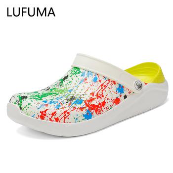 2020 New Arrival Croc drewniaki letnie buty Unisex letnie sandały plażowe mężczyźni Crock płaskie dziury buty Mans pływanie pantofel sandalias tanie i dobre opinie lufuma RUBBER Galaretki Buty NONE Moda Pasek klamra Mieszkanie (≤1cm) Pasuje prawda na wymiar weź swój normalny rozmiar