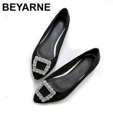 Beyarne春の秋のファッションスエード女性の靴大型平底靴女性指摘レジャー快適なドライビングシューズ靴