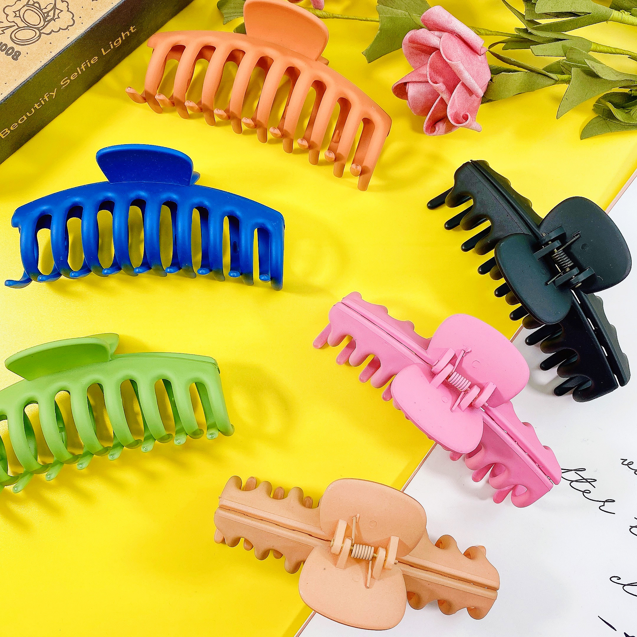 NEW Frosted Colorful Girls Hairpins Big Hair Claw Crab Plastic Hair Clips For Women Balck Pink Purple Barrettes Hair Accessories