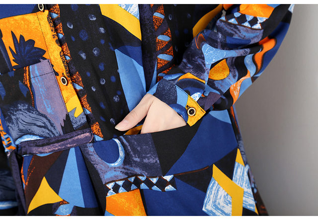 [EAM] 2019 New Autumn Winter Lapel Long Sleeve Blue Pattern Prited Loose Large Size Pocket Dress Women Fashion Tide JI485 33