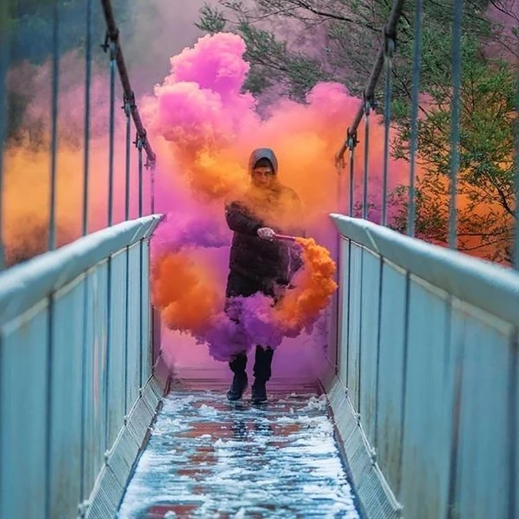 4pcs Colorful Combustion Smog Cake Effect Smoke Bomb Pills Portable Photography Prop Wedding & Halloween & Christmas Props