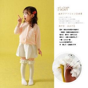 Image 3 - طفل الفتيات جوارب طويلة الدانتيل تنفس الجوارب للفتيات القطن الصلبة الحلو جوارب طويلة إلى الركب الشتاء الدفء موحدة حجم 1.3 كجم #43