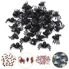 50 piezas de plástico negro araña decoración de Halloween suministros Festival suministros divertidos juguetes de broma Útil Decoración realista Prop