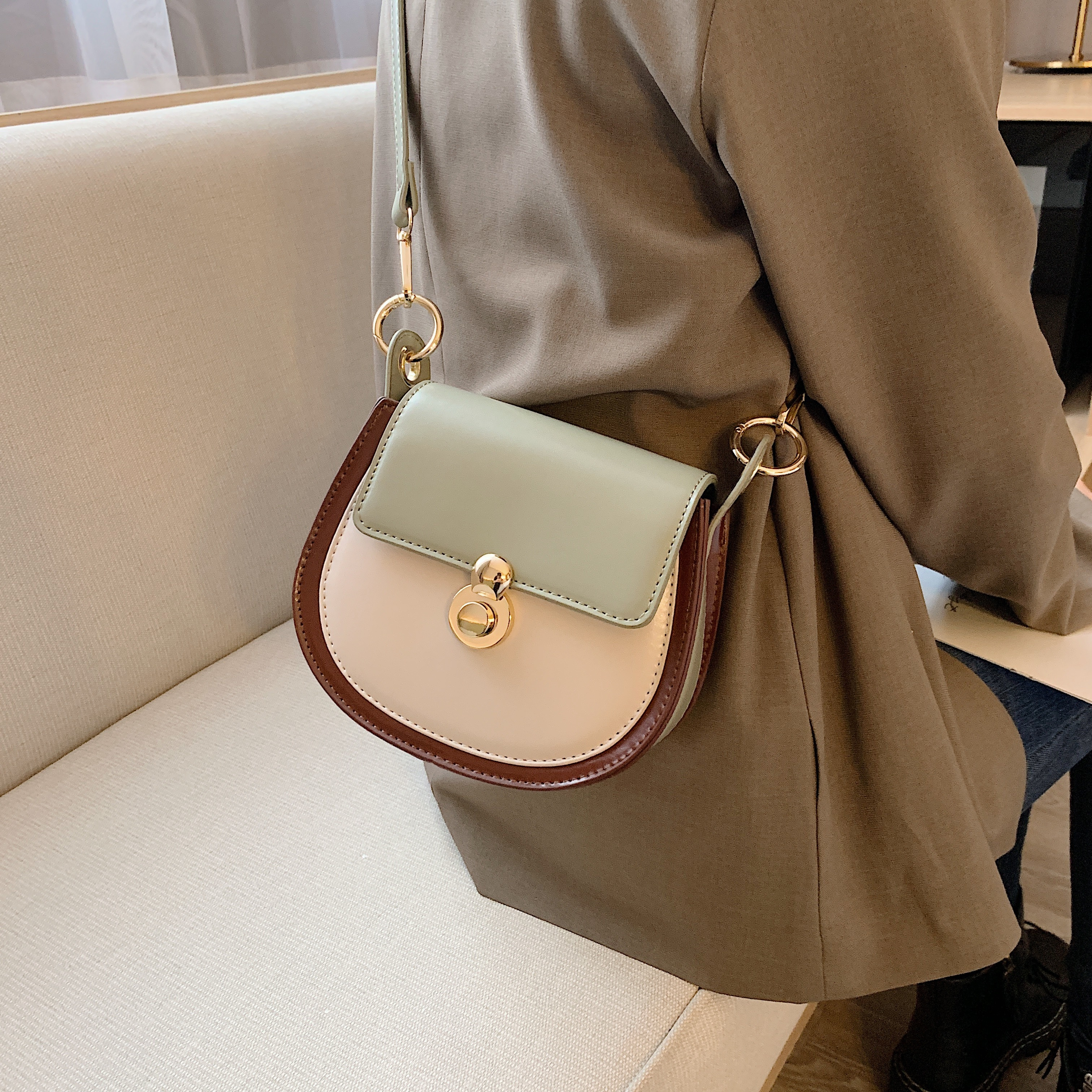 Contrast Color Small Crossbody Bag 6