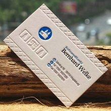 Новый дизайн бумажные визитные карточки и журнал