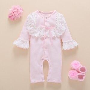 Image 5 - Yenidoğan bebek kız giysileri sonbahar pamuk dantel prenses tarzı bebek tulum 0 3 ay bebek çorap ile Romper kafa bandı ropa bebe