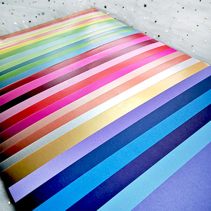 Image 2 - A4 28 kolorów odcienie gładka deska 250GSM papier typu kraft karton strona prezent dekoracja kartek DIY papier do scrapbookingu Pack
