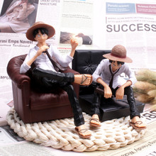 Sit on the sofa, vehicle-mounted dolls, household decoration, animation road simulation model characters fly to sit stool
