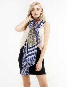 Image 2 - 코튼 여성 긴 Scarfs 2020 봄 신사 숙녀 Viscose Shawls 얇은 여름 패션 해변 이슬람 Hijab 머리 가을 스카프를 래핑