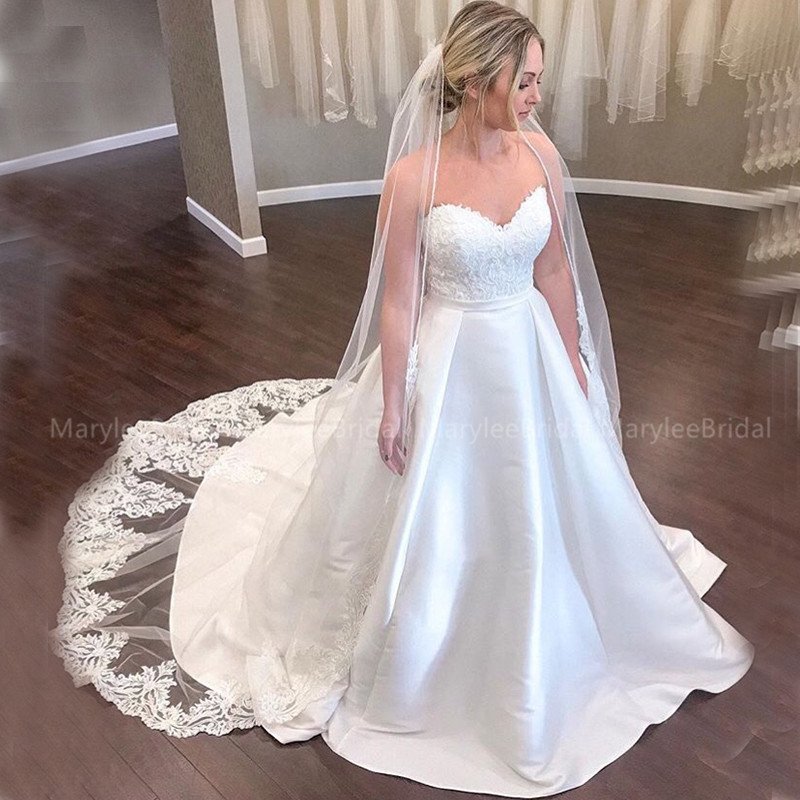 Plus Size Wedding Dresses Sweetheart Bridal Gowns Vintage Appliques Satin Skirt Chapel Train Bridal Gowns Made To Measure
