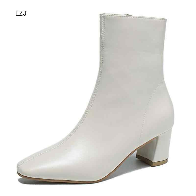 Lzj Trắng Đen Giày Bốt Nữ 2019 Thoải Mái Vuông Cao Gót Ống Giày Bốt Thời Trang Mũi Nhọn Dây Khóa Kéo Màu Thu Đông Nữ giày