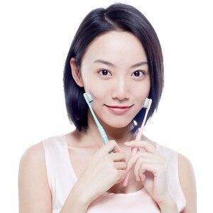 Image 2 - חדש Xiaomi רופא B ניקוי מברשת שיניים נוח רך שיער שן מברשת חוט 4 צבעים כולל נסיעות תיבת נייד למבוגרים
