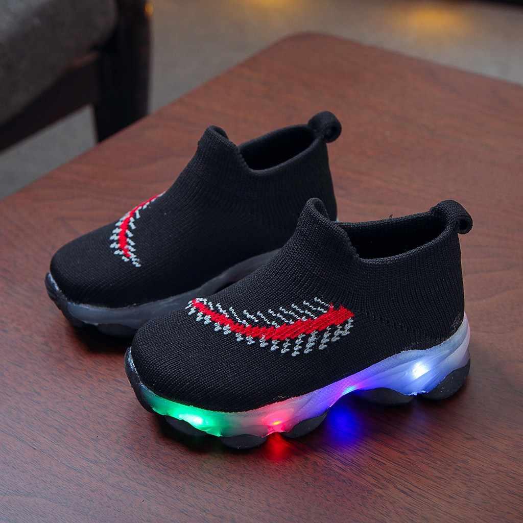 รองเท้าผ้าใบเด็กทารก Boys Feather ตาข่าย LED Luminous ถุงเท้า Sport Run รองเท้าผ้าใบ Sapato Infantil Menina Light Up รองเท้า Oct23