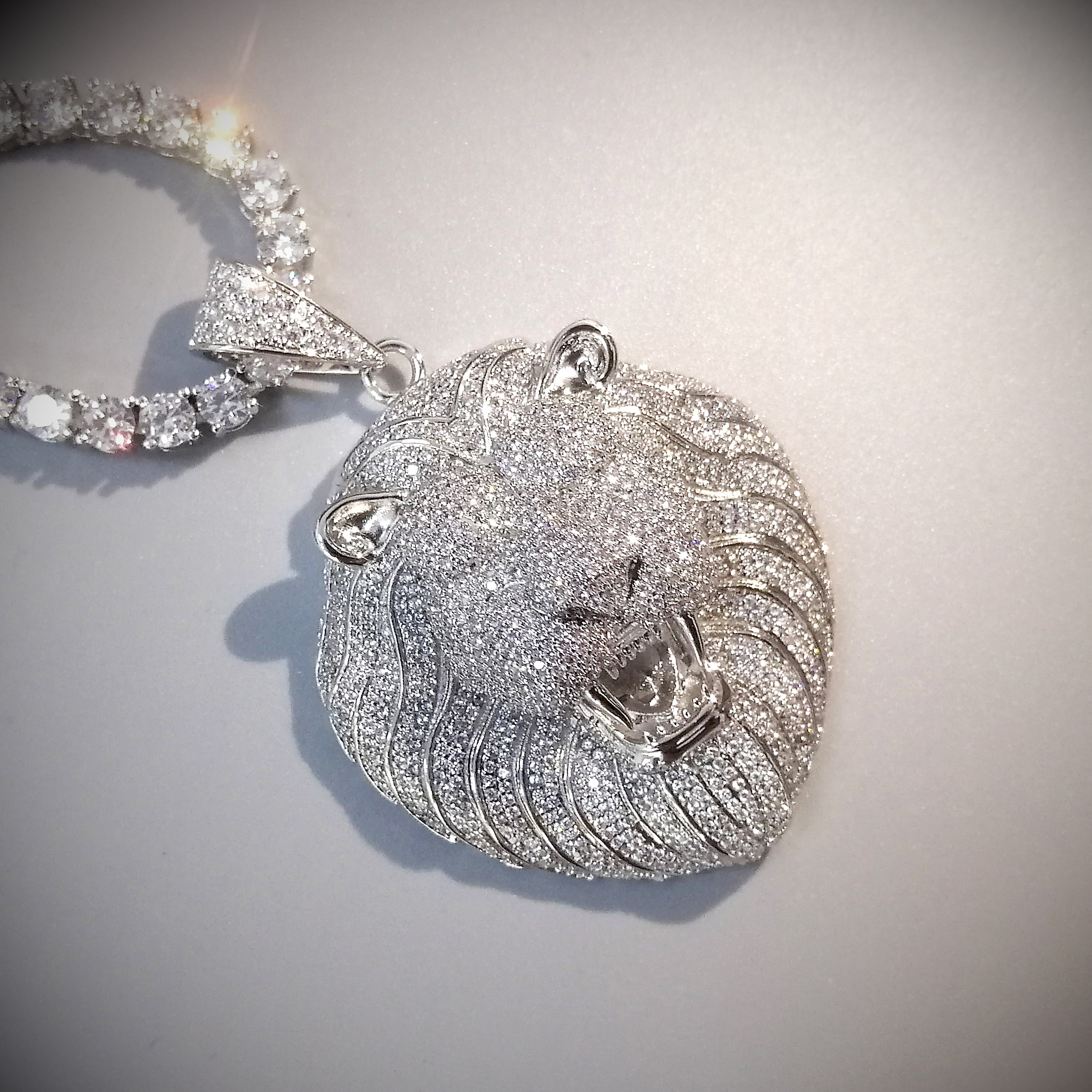 Bling Iced Out Halskette Micro Pflastern Cubic Zirkon Lion Kopf Anhänger für Männer Frauen Geschenke Luxus Hip Hop Schmuck