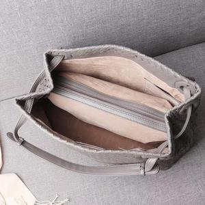 Image 5 - woman Genuine leather  manual  Weave Single shoulder large volume package  Woman  High quality  Inner zipper bag  Shoulder strap