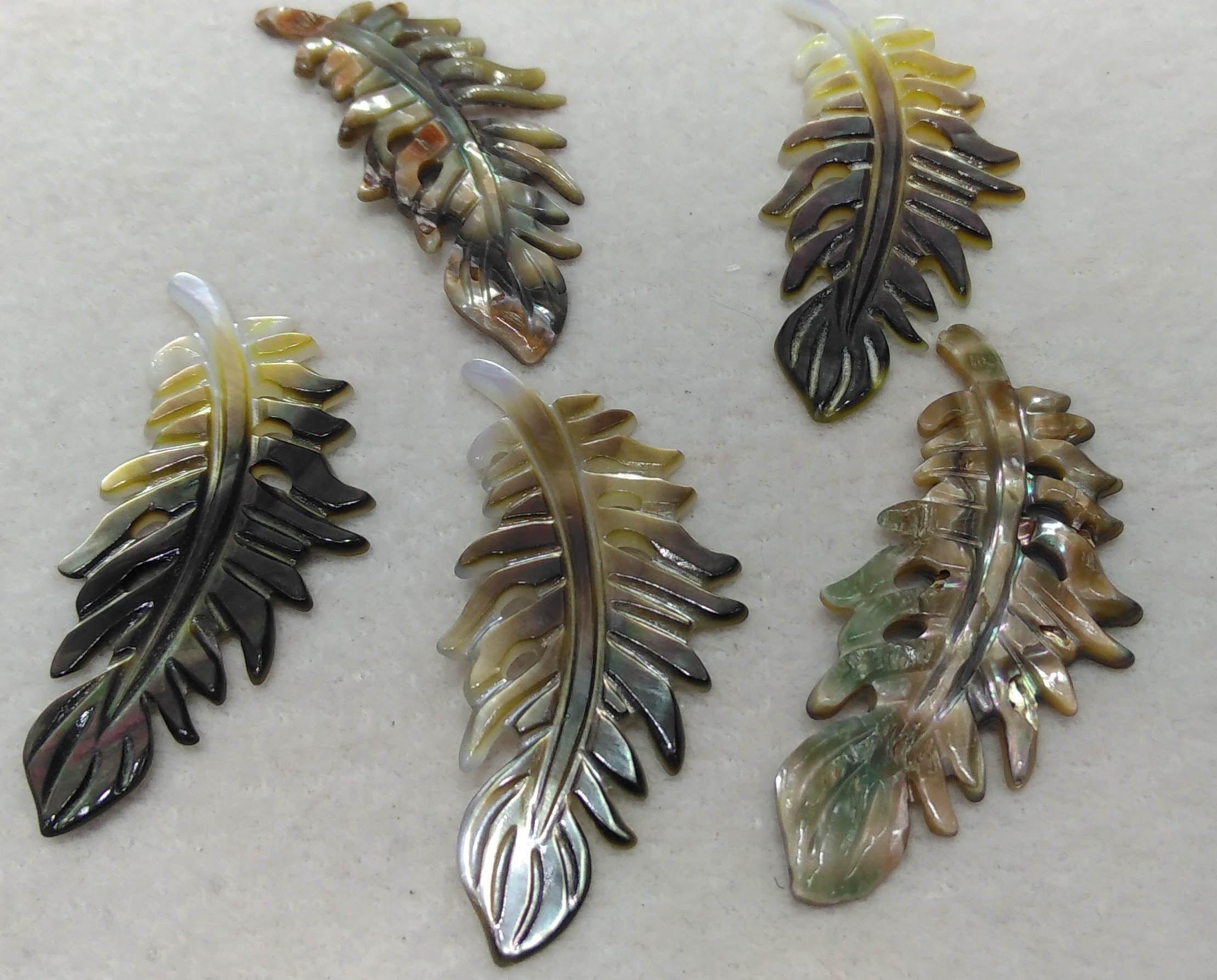 6 pièces de Nacre Naturelle Tropical Monstera Feuille Pendentifs Sculptés À La Main Noir Feuille de Coquille Perles focal 40mm de haute qualité