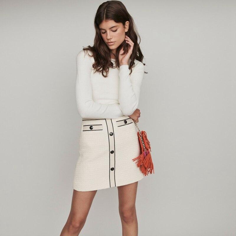 2019 New autumn and winter white Small fragrant wind Simplicity Wild Joker temperament Button Skirt Short skirt