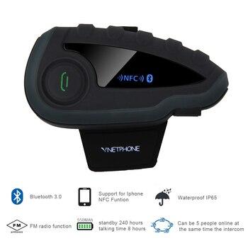 рации гарнитуры | V8 мотоциклетный шлем система внутренней связи для шлема гарнитура для наушников 5 пилотов BT Intercoms FM радио NFC дистанционное управление Лидер ...