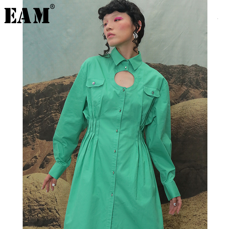 [EAM] Women Hollow Out Pleated Irregular Dress New Lapel Neck Long Sleeve Loose Fit Fashion Tide Spring Autumn 2020 1B737