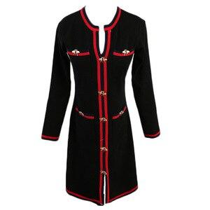 Image 5 - 若いジー秋の女性のファッションニットドレス長袖 V ネックの女性のプルオーバー冬のヴィンテージ蜂ボタンセータードレス
