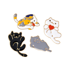 New Cute Heart Cat pin Enamel Pin Lapel For Jackets and Backpacks Lover Jewelry