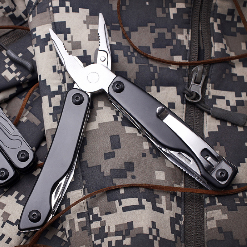 Multi Tool Knife Plier EDC Tools Multitool Folding  Plier Outdoor Survival Plier