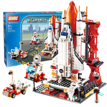 City Spaceport Space The Shuttle Launch Center Bricks Building Block Educational Toys for Children Lepining 679Pcs space station saturn v rocket building blocks city shuttle launch center atellite astronaut figure bricks set children toys gift