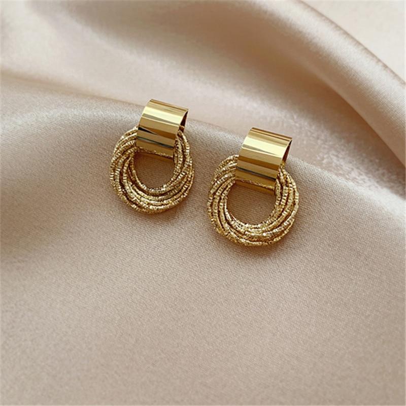 Висячие серьги в Корейском стиле, металлические геометрические нестандартные круглые винтажные зимние серьги в форме слезы для женщин и де...