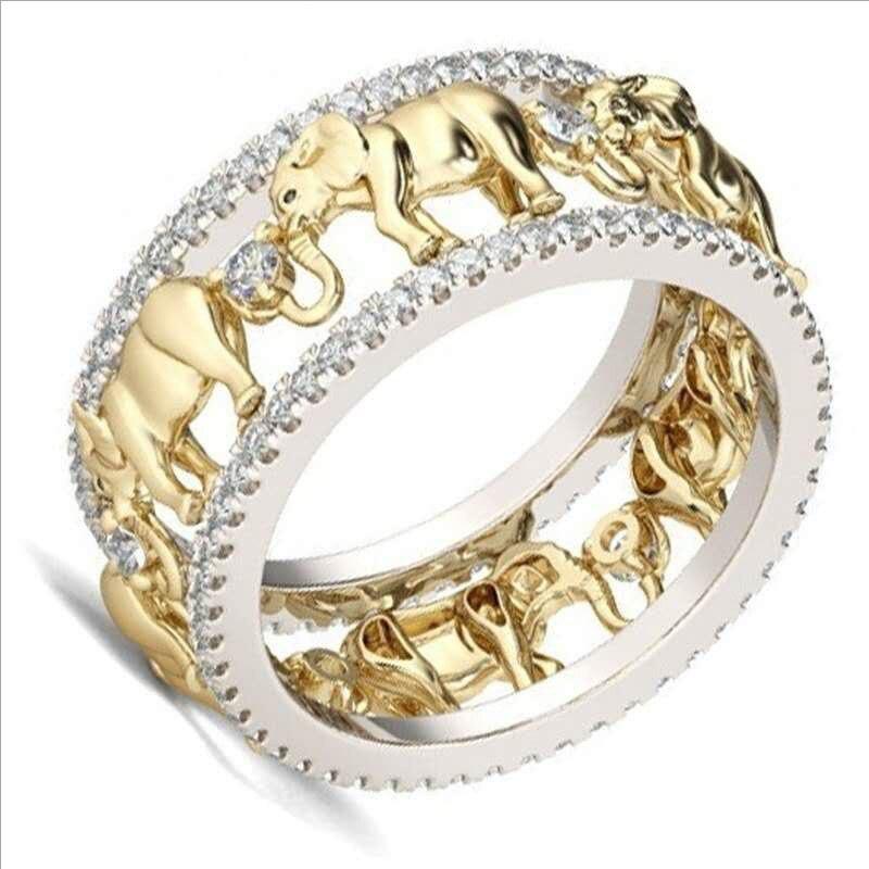 Женское кольцо со слоном из золотистого циркона