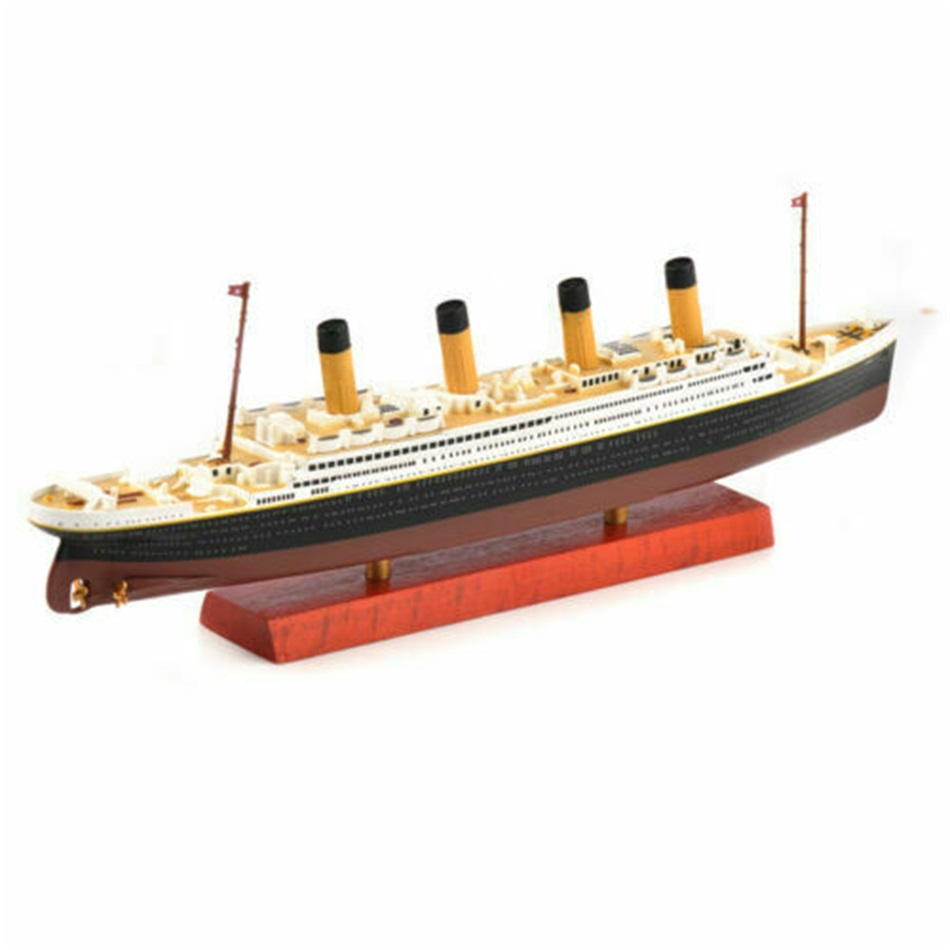 Collect Titanic Replica Cruise Ship Model Toy Vintage Boat Vehicle Diecast Atlas