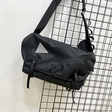 Casual Nylon Men Shoulder Bag Sport Large Capacity Fashion Designer Shoulder Bag School Korean Bolso Hombre Mens Bag DE50NDJ
