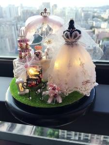 Image 5 - Fiori di primavera A Mano FAI DA TE Mini Casa di Bambola Abito Da Sposa Bianco di Legno In Miniatura Casa di Montaggio Decorazione Palla di Vetro Casa Delle Bambole