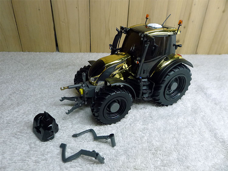 Special Offer  fine  1:32  N174 Gold Plating  Tractor  Agricultural Vehicle Model  Doors and windows can be opened  Alloy