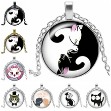 2019 New Creative Cartoon Yin and Yang Black and White Cat Necklace Gift Glass Convex Round Pendant Necklace Fashion Jewelry 2019 new creative cartoon yin and yang black and white cat necklace gift glass convex round pendant necklace fashion jewelry