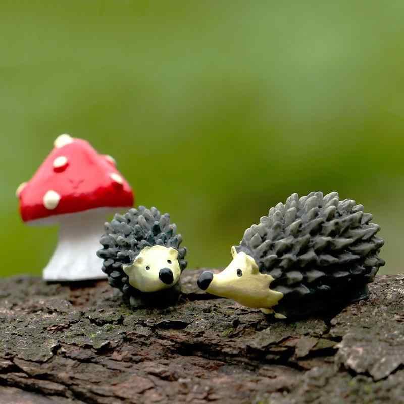 Peri Taman GNOME Moss Terarium Mini Buatan Hedgehog dengan Titik Merah Jamur Miniatur Resin Kerajinan Dekorasi untuk Rumah
