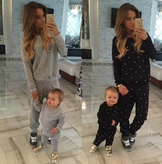 Spring 2020 Fashion 2 Pieces Women Set Long-sleeved Sweet Pearls Sweater + Trouser Beading Spliced Pockets  Two Pieces Tracksuit
