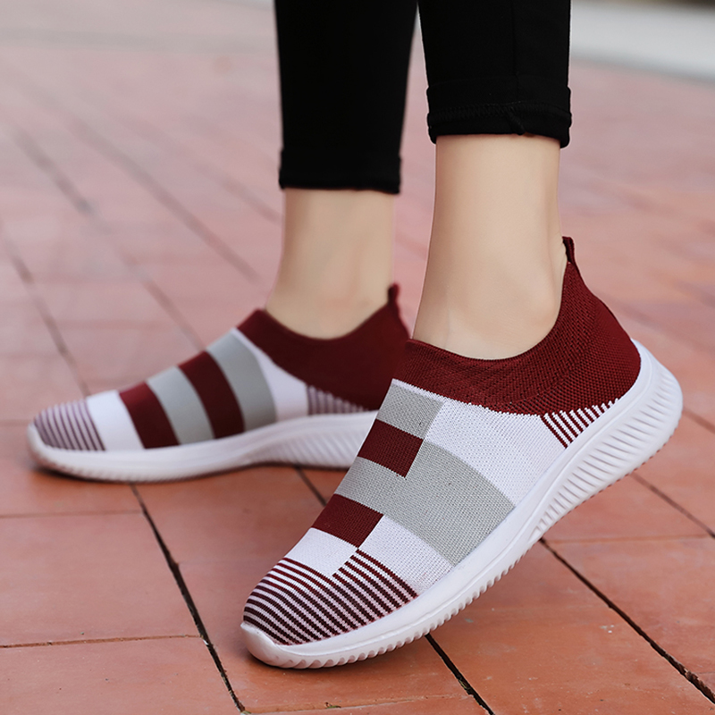 Women Vulcanize Shoes New Socks Shoes Women Sneakers Comfort Mother Shoes Light Women Shoes Mesh Women Loafers Tenis Feminino