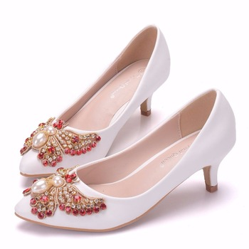 2019 spring and summer new women's high heels white tip shallow mouth crystal butterfly bride banquet shoes large 5 cm
