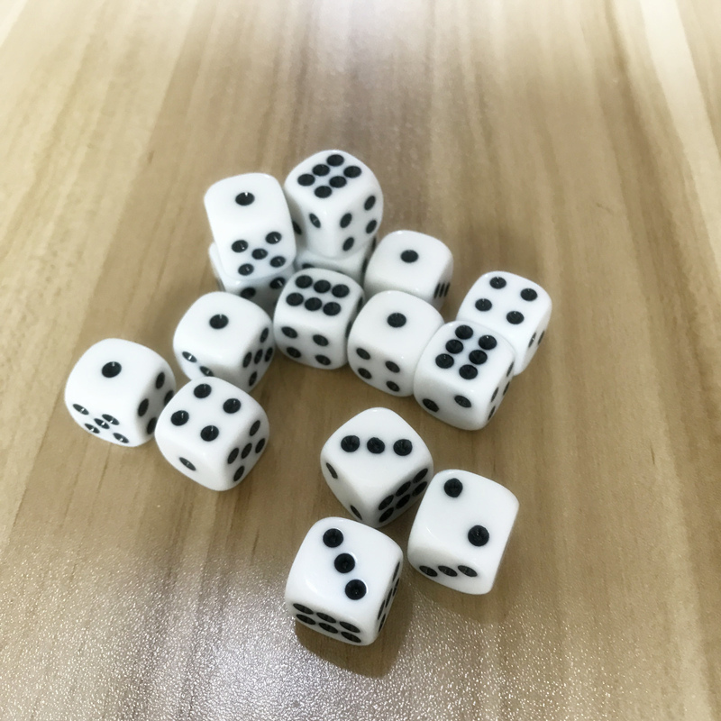 5Pcs/Lot 16mm Drinking Dice Acrylic White Round Corner Hexahedron Dice Club Party Table Playing Games RPG Dice Set