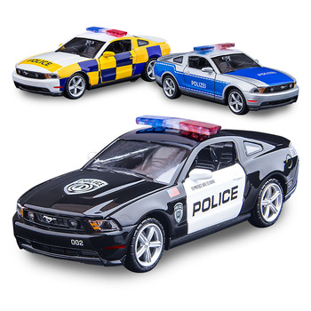 1:32 Diecast Car Model Toy Vehicle Simulation Mustangs-GT Police Car Sound And Light Pull Back Car Doors Open Alloy Car Toy Kids maisto 1 24 2009 gtr35 white car diecast for nissan police open car doors car model motorcar diecast for men collecting 32512