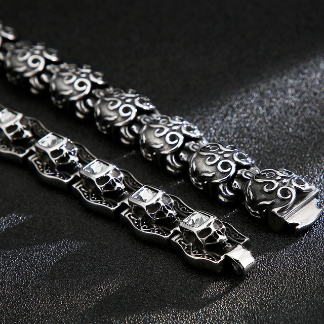 STAINLESS STEEL SKULL HEADS BRACELET