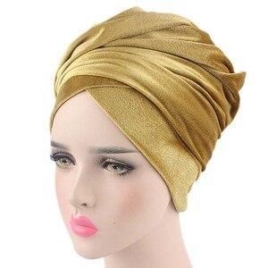 Image 4 - Helisopus kobiety moda styl aksamitna Turban muzułmanin długi tren Cap jednolity kolor owinięty szalik na głowę kapelusz panie Headwrap szalik