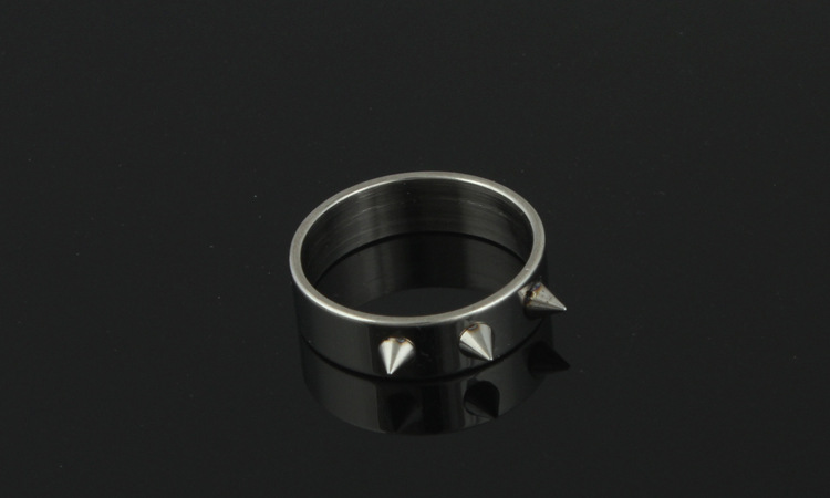1Pcs Women Men Safety Survival Ring Tool Self Defence Stainless Steel Ring Finger Defense Ring Tool Silver Gold Black Color