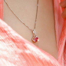 цена на Fashion Pendant Necklace Temperament Rose Red Flower-shape Necklace for Women Inlaid  Zircon Hollow Necklace Wedding Jewelry